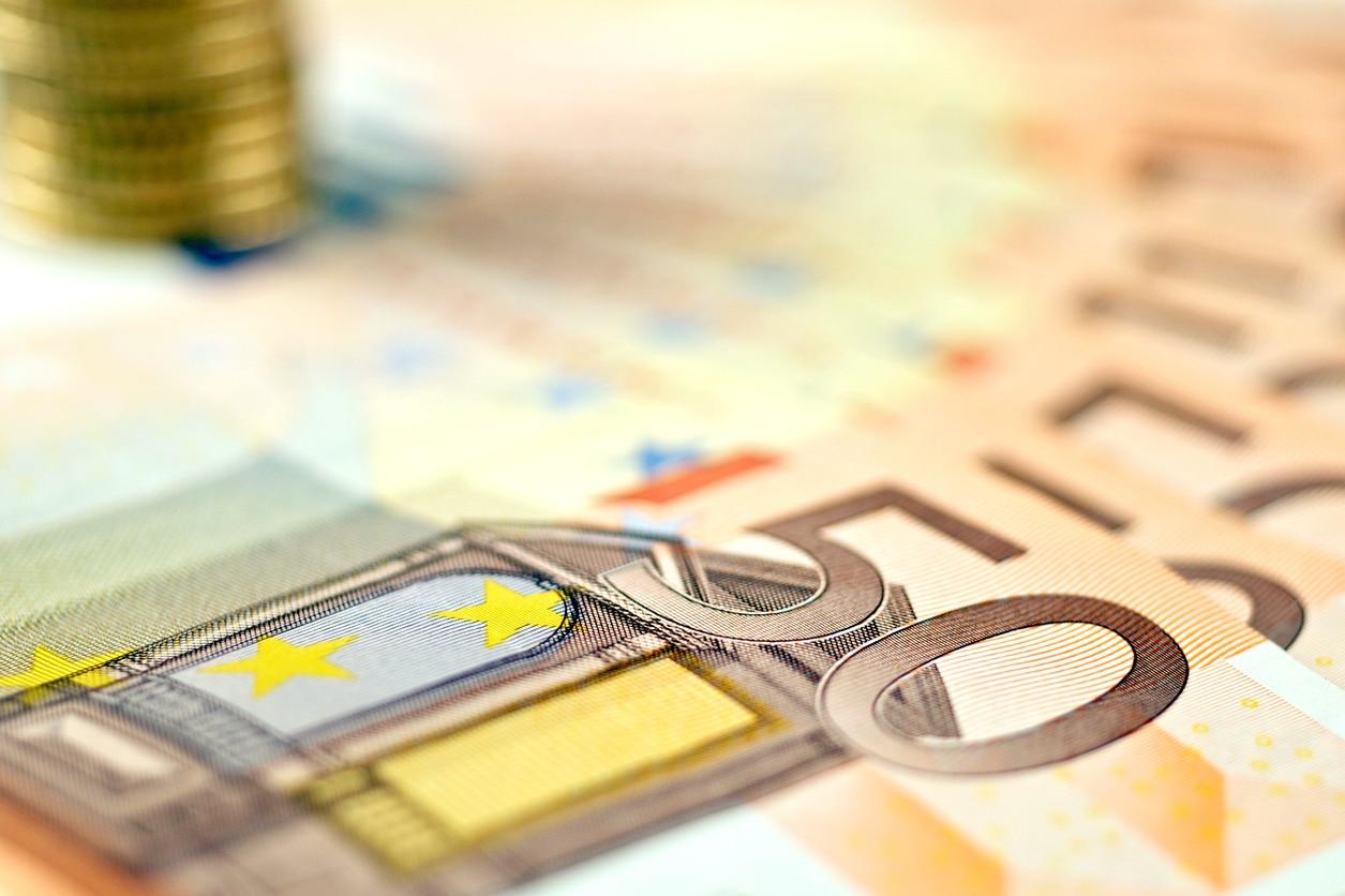 dinero moneda cincuenta banco recurso bbva