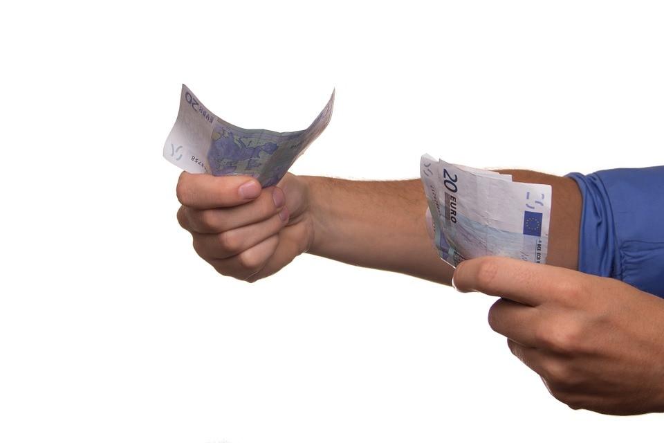 deuda CIRBE dinero billetes recurso