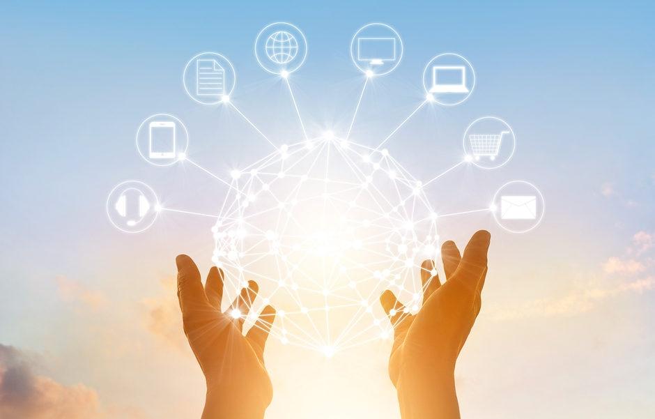 internet de las cosas cosas manos sol big data cloud recurso bbva