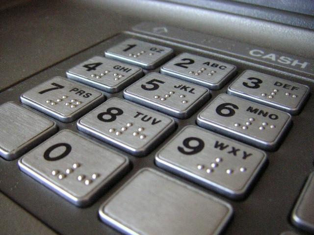 cajero dinero banco recurso