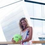 Fotografía plano frontal de la tenista española Garbiñe Mugura en La Vela, BBVA