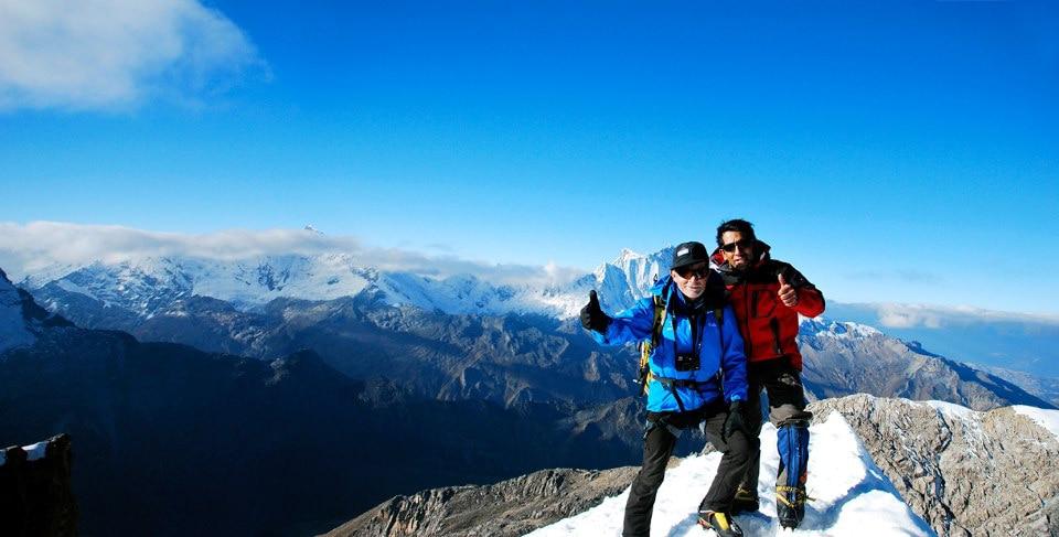 Fotografía carlos-soria-cumbre-nevado-ishinca-peru-aclimatacion