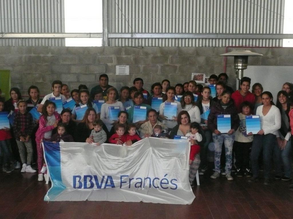 Fotografía de entrega de becas en Las Tunas