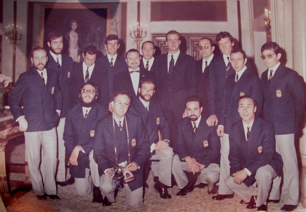 Fotografía Carlos Soria junto al rey Juan Carlos en 1971 BBVA