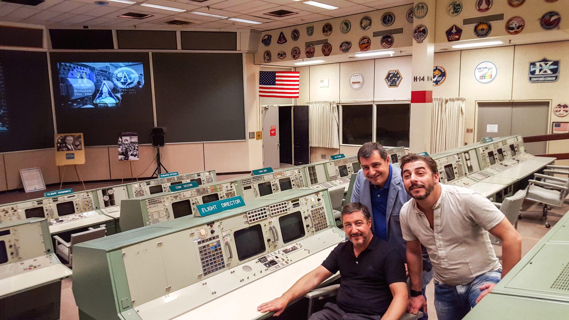 Fotografía: Los Hermanos Roca visitan la NASA - El Celler
