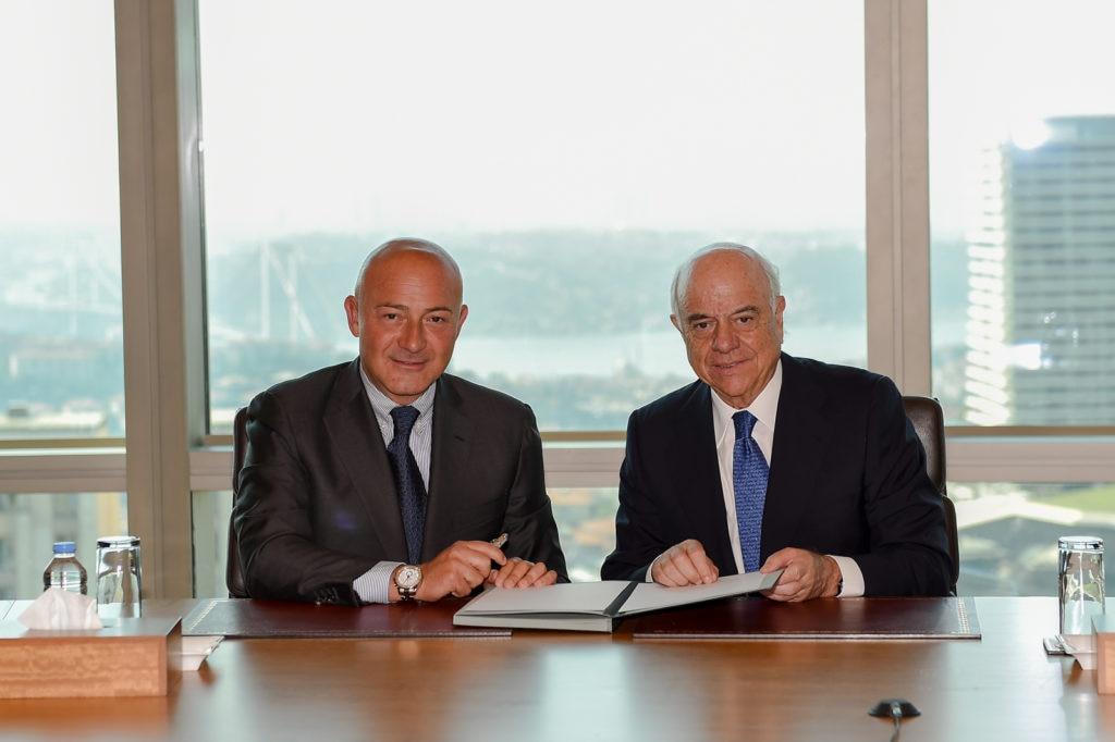 Ferit-Sahenk (i) presidente de Garanti y del grupo Dogus y Francisco Gonzalez (d) de BBVA