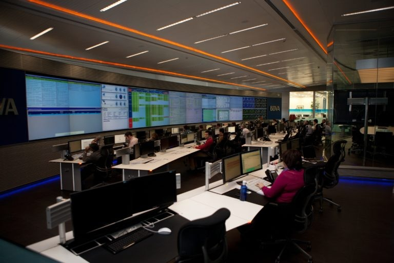 Sala de operaciones en el nuevo CPD de BBVA