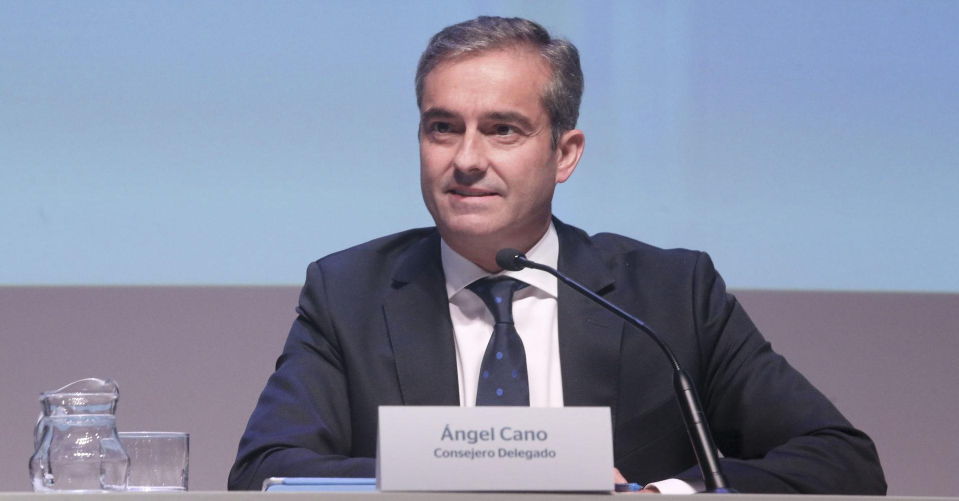 Fotografía de Ángel Cano consejero delegado de BBVA durante la presentación de Resultados 3T2014
