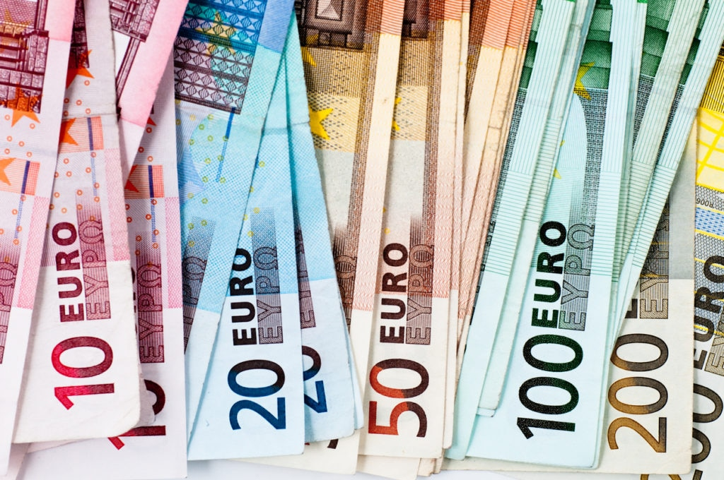 dinero banco modelo recurso bbva