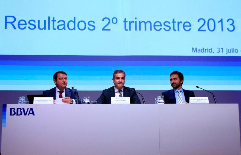 Fotografía de Manuel González, Ángel Cano e Ignacio Jiménez en presentación resultados 2T13