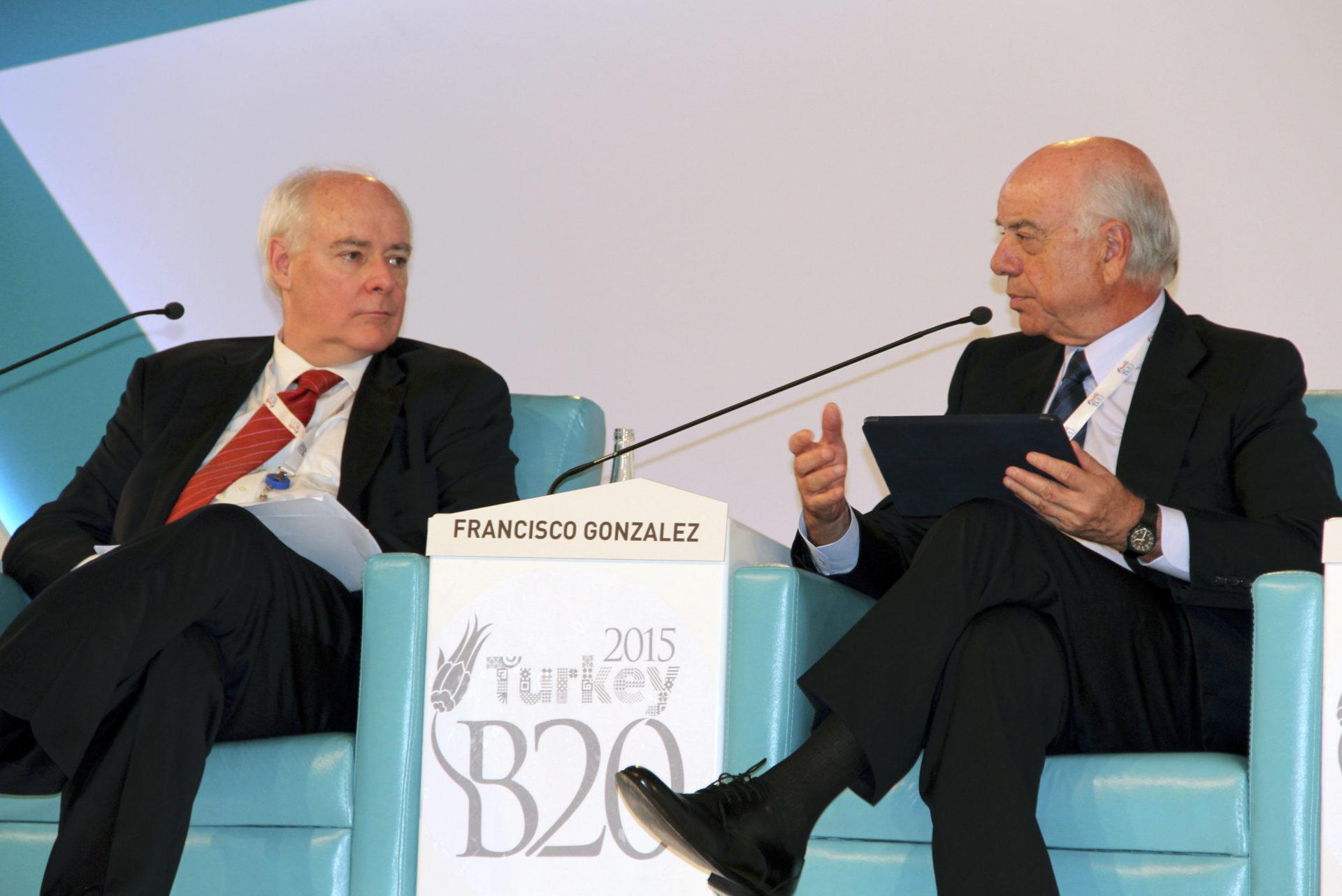 Fotografía de Francisco González, presidente de BBVA, durante su intervención en el G20-B20