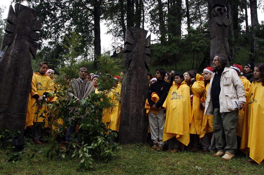 Fotografía: Ruta Quetzal BBVA 2009 Ceremonia mapuche de Nochebuena