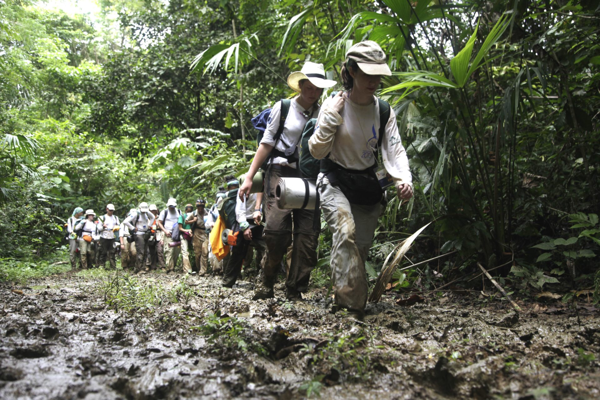 Fotografía: Ruta Quetzal BBVA 2013 atravesando la selva del Darién (Panamá)