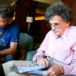 Fotografía Carlos Soria certifica su cumbre en el Kanchenjunga con Miss Hawley