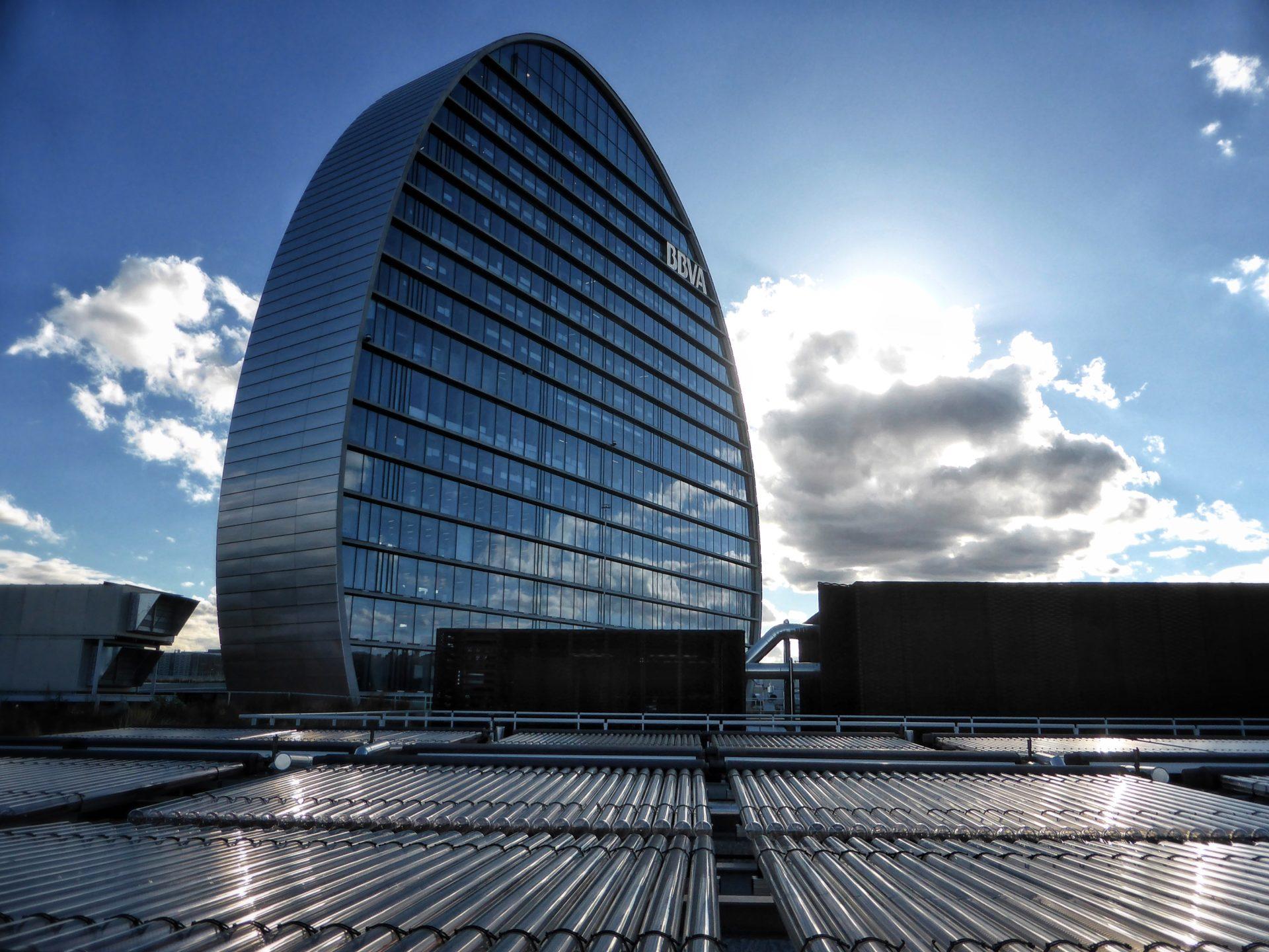 Fotografía de la instalación de energía solar en la Ciudad BBVA. ©Carlos Benítez-Donoso