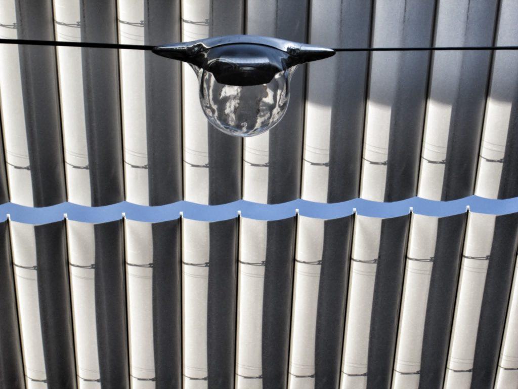 Fotografía de las lámparas diseñadas por Herzog&de Meuron para las calles de la Ciudad BBVA