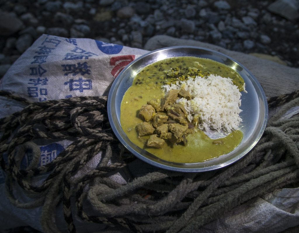 Fotografía de un plato de Dalbhat, típico de Nepal