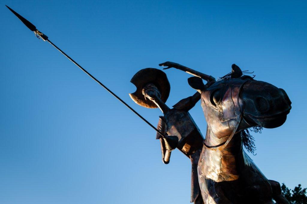 Imagen de una escultura de Don Quijote