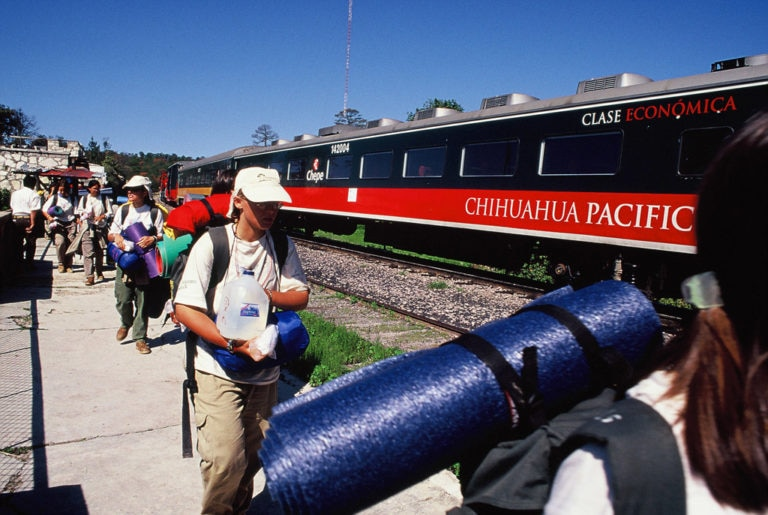 Fotografía: Expedición 2000: Expediciones Carolinas a las Tierras de América del Norte (Tren a Chihuahua, México)