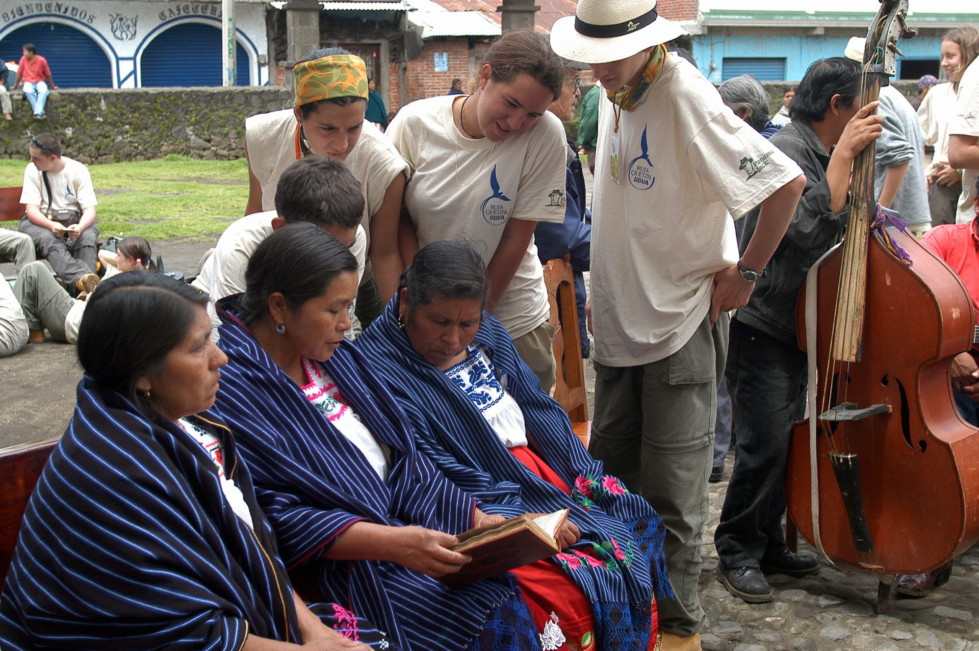 Fotografía: Expedición 2004: De los Volcanes Mexicanos a la Translatio (Angahuan, Michoacán, México)