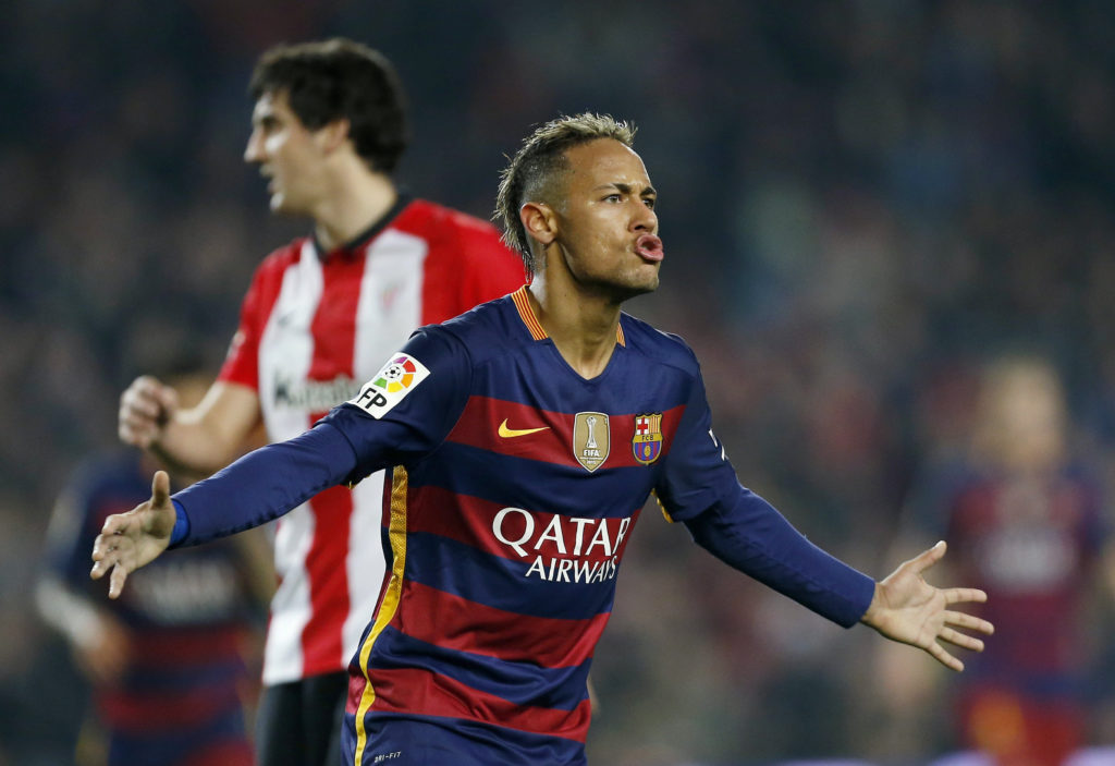 Neymar celebra un gol frente al Athletic en el estadio del Camp Nou