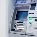 Cajero banco dinero recurso