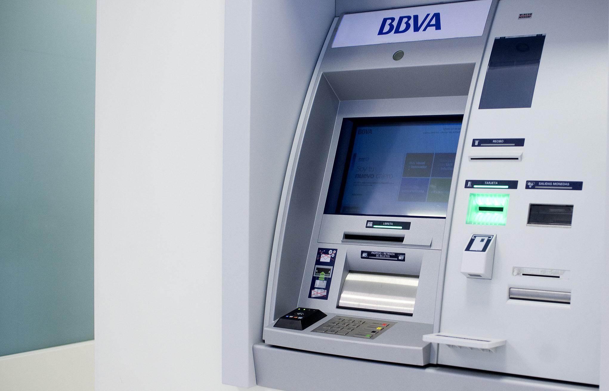 bbva historia de los cajeros autom ticos banco bilbao
