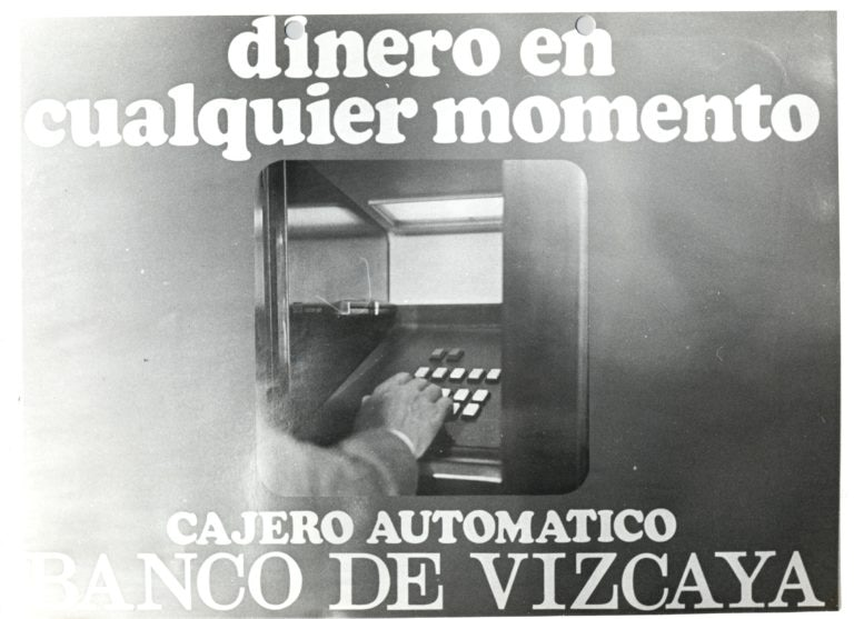 Así anunciaba el Banco de Vizcaya la llegada de los cajeros automáticos a la sociedad: