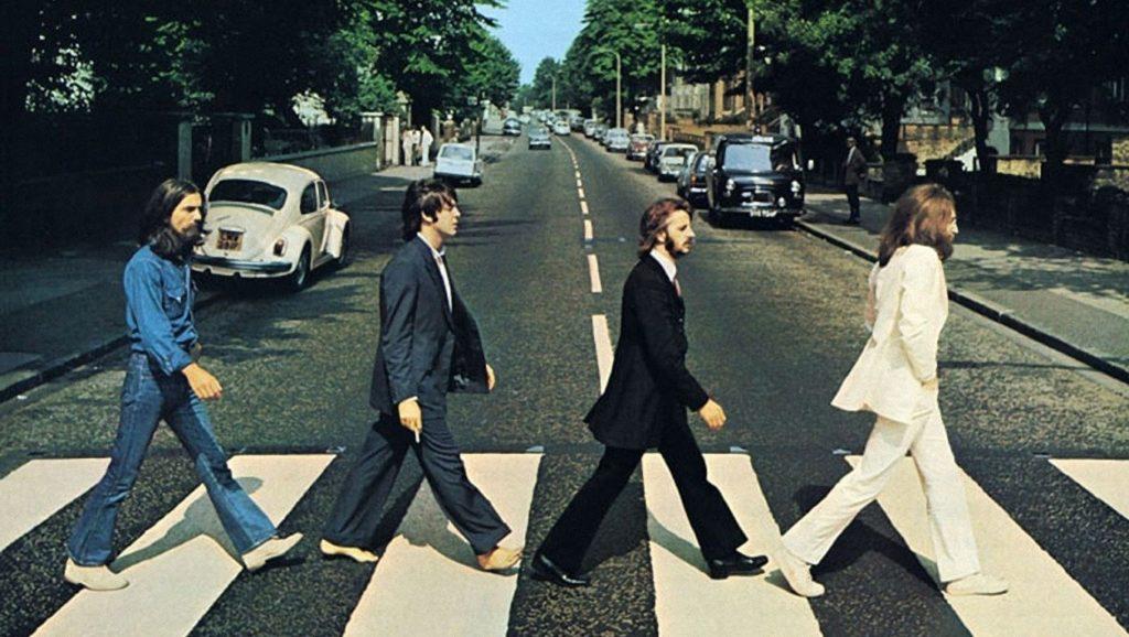 Muere George Martin, el productor musical conocido como el 'quinto Beatle'