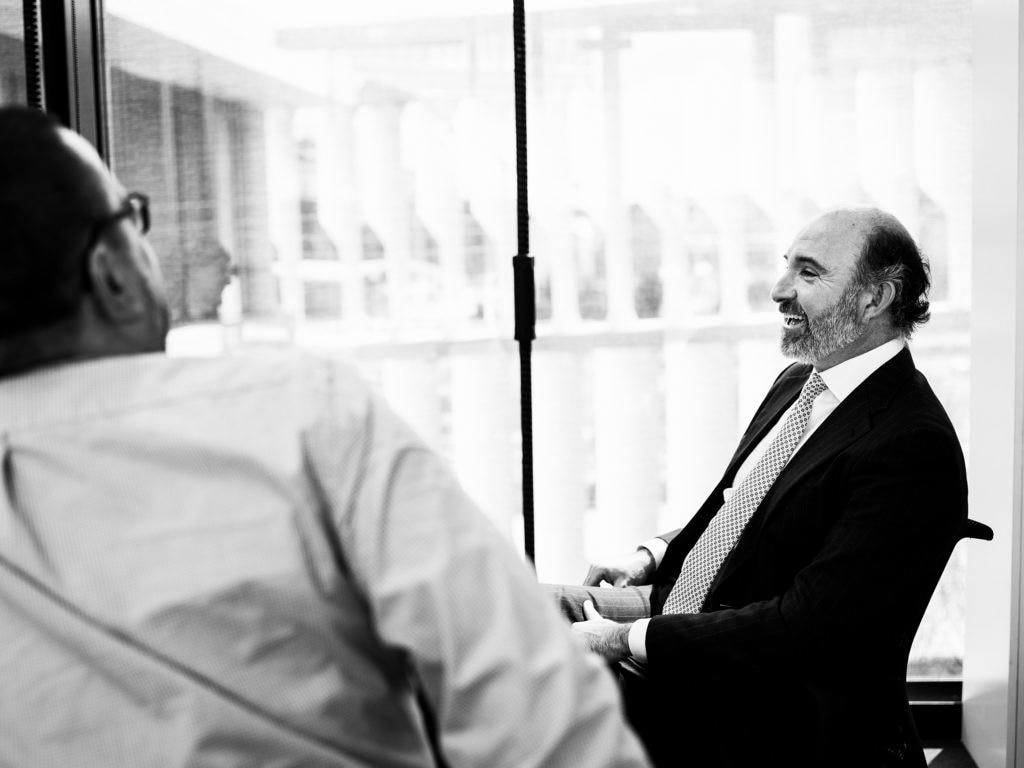 Vallejo se muestra divertido en un momento de la entrevista. Foto: Diego Martínez