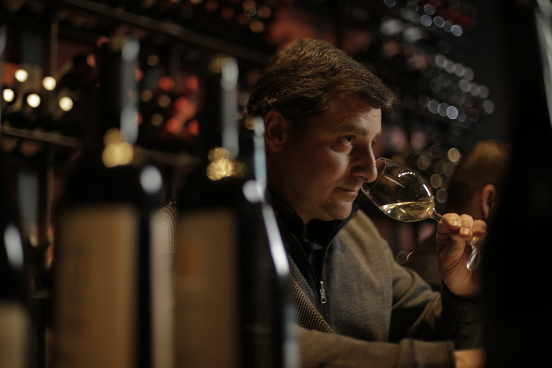 Josep Roca cata vino