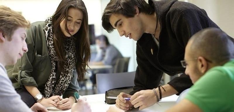 El gasto público en educación en España ha disminuido más de un 12% desde 2009, según un estudio de la Fundación BBVA y el Ivie.