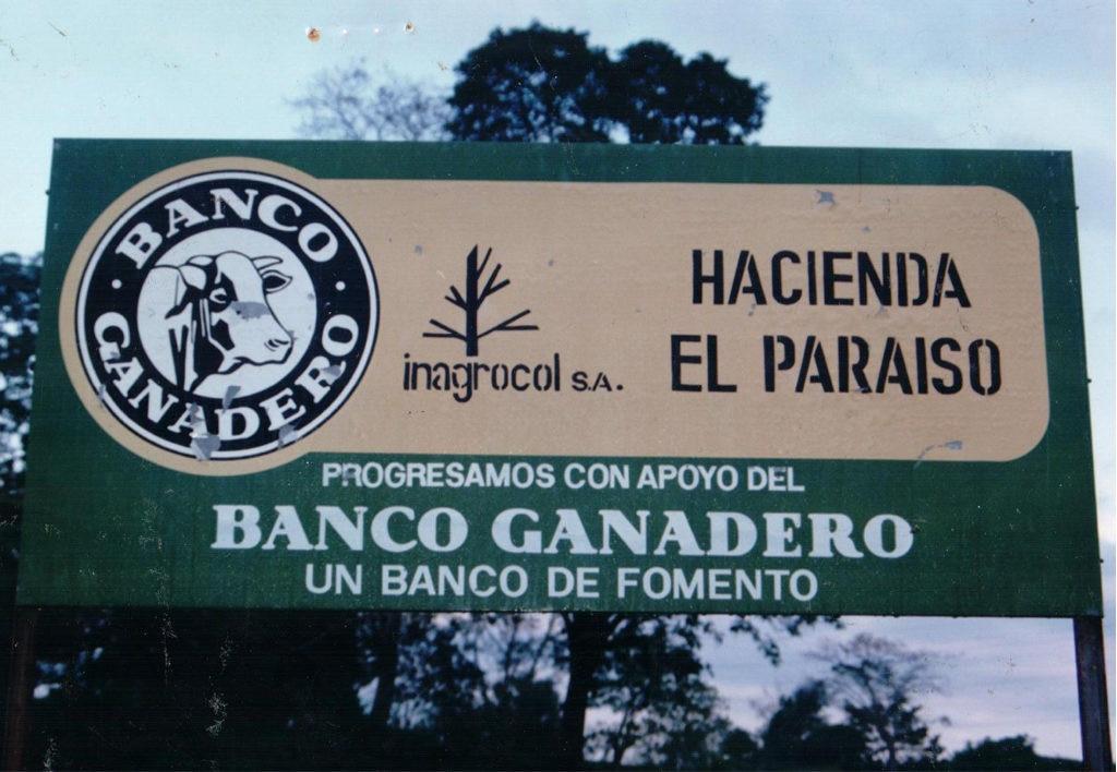 Imagen de BBVA Colombia Letrero de apoyo al Banco Ganadero