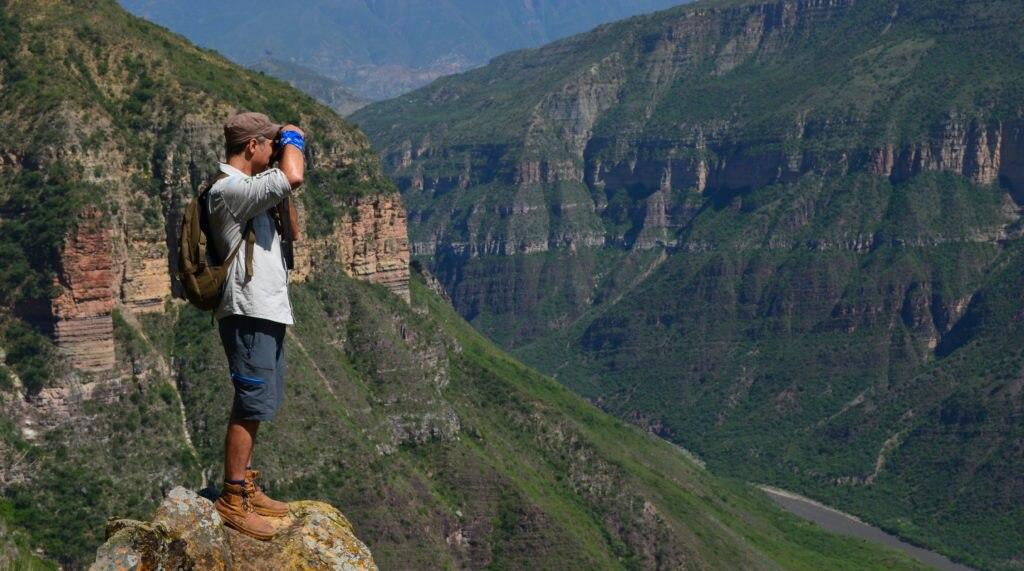 Fotografía de uno de los guías de los ruteros en el Cañon del Chicamocha