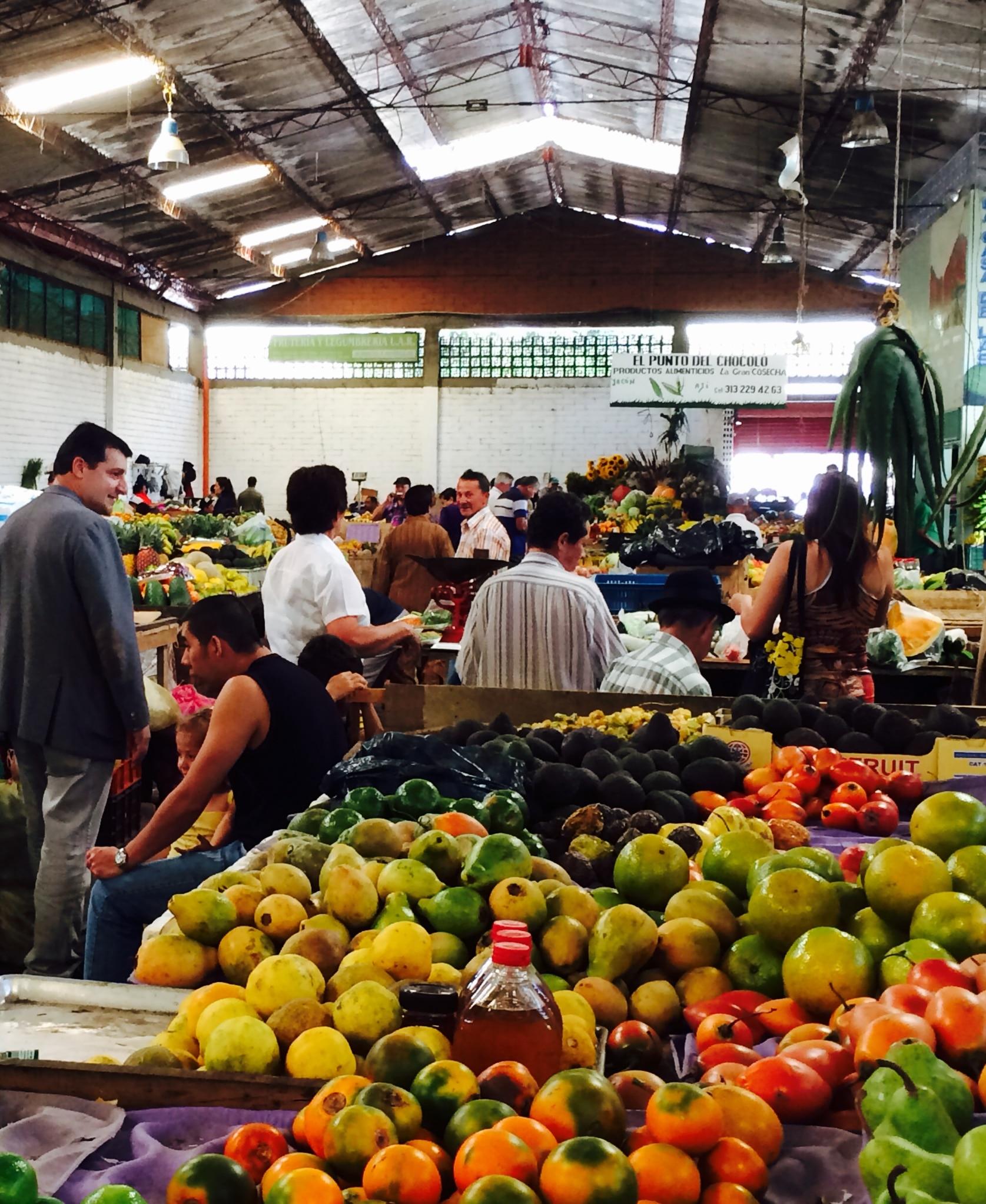 Fotografía de Josep Roca en el mercado de Río Negro