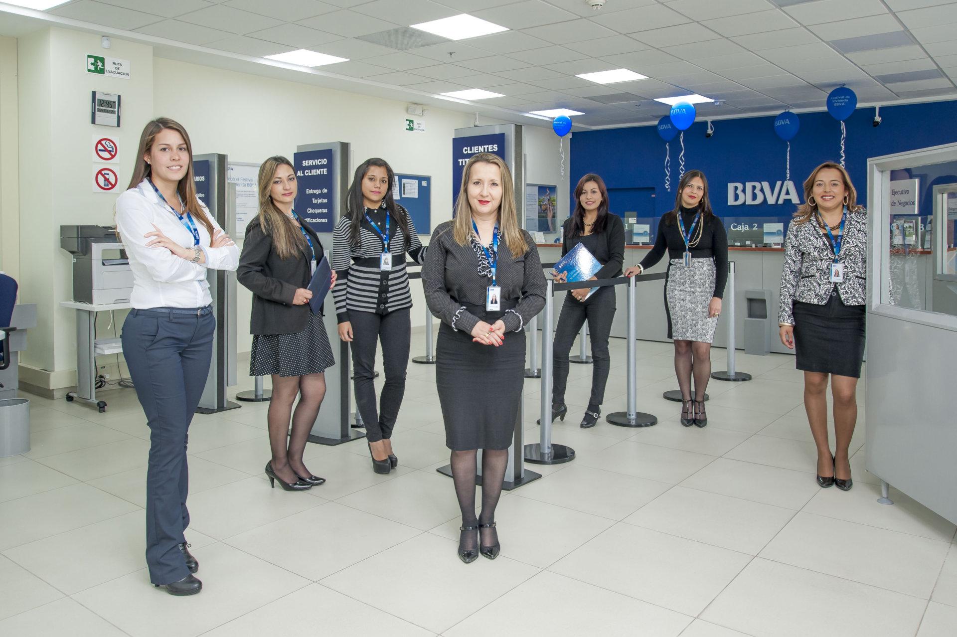 Bbva colombia diversidad y talento banco bilbao for Oficinas bbva toledo