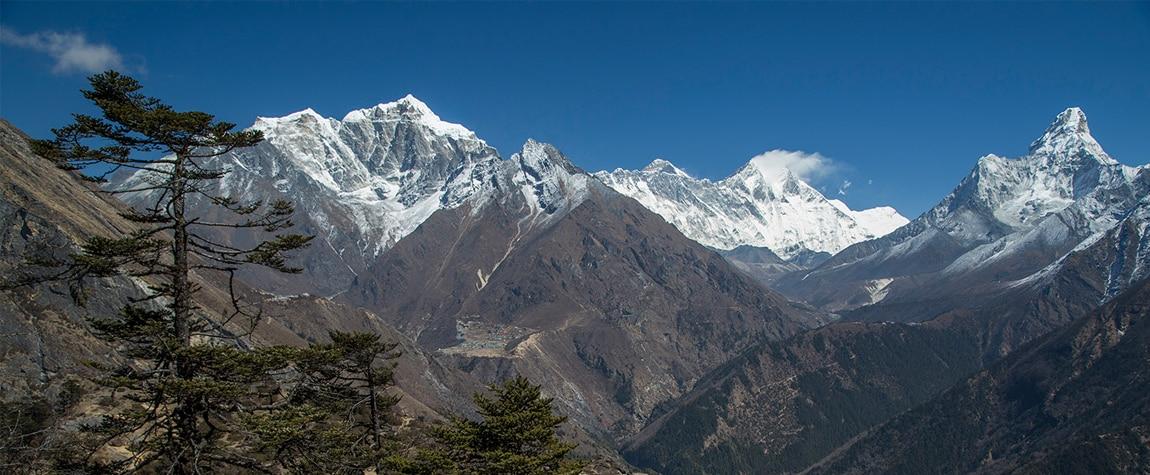 Panorámica del Khumbu, Lhotse, Everest y Ama Dablam