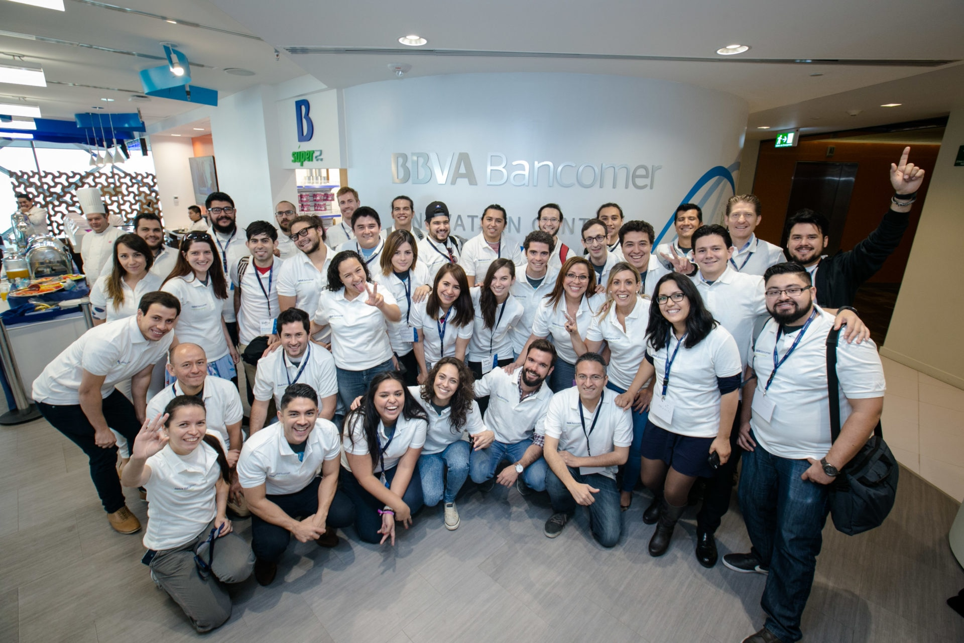 El Centro de Innovación BBVA Bancomer patrocina el StartupBus México 2016 participantes en CI México