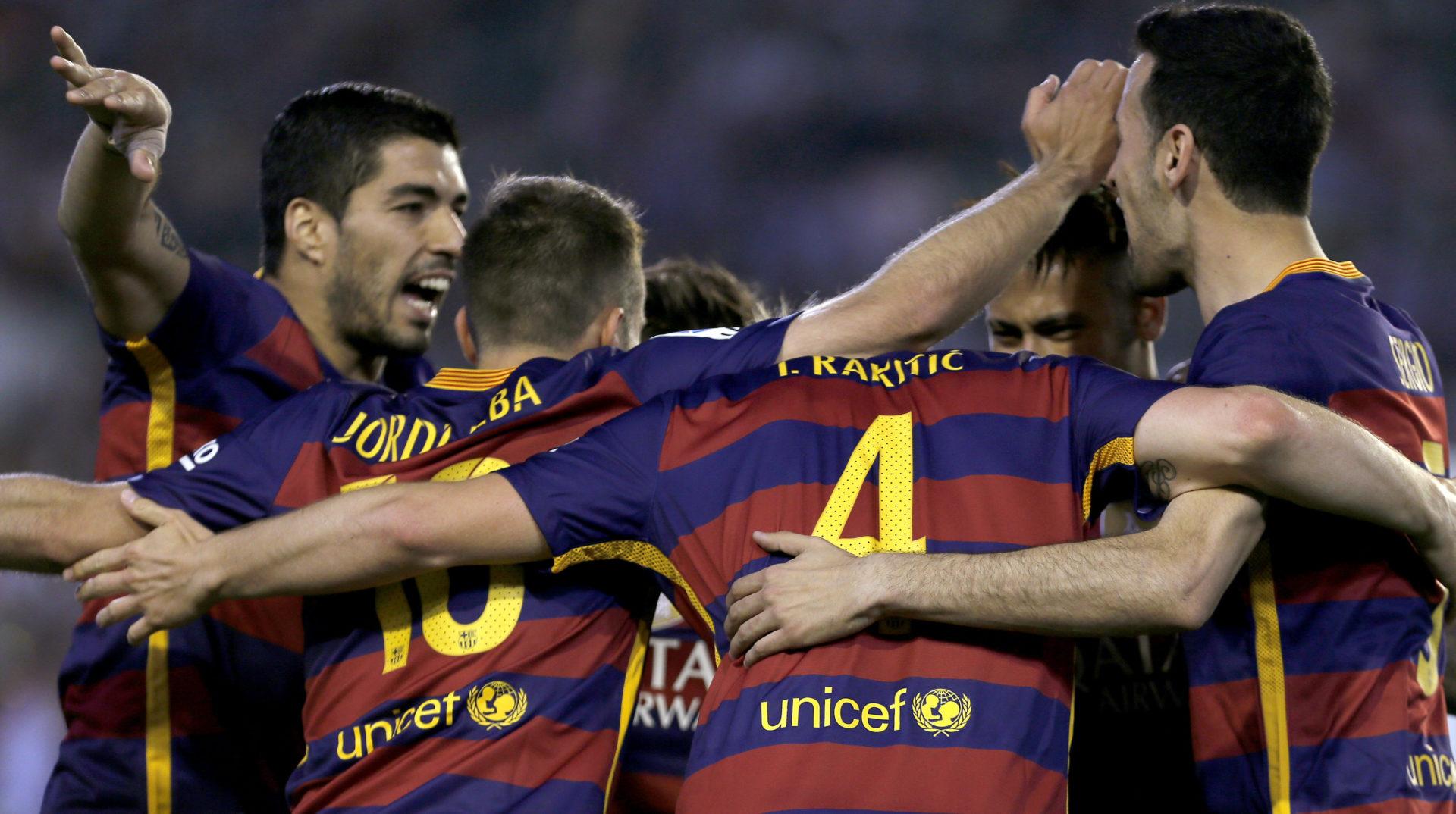 Los jugadores del Barcelona celebran un gol ante el Betis | Foto: EFE