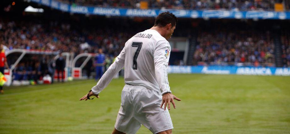 Cristiano celebra uno de los goles marcado en Riazor | Foto: EFE