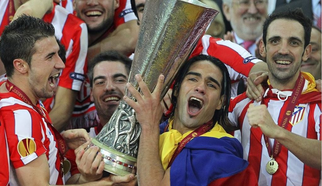 Falcao celebra una de las dos Europa League logradas con el Atlético | Foto: EFE