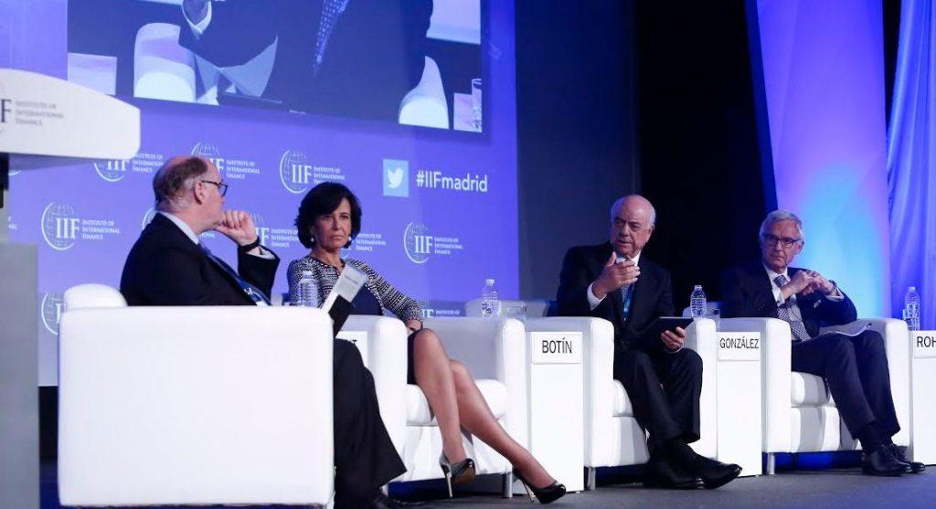 Francisco González en el IIF en Madrid, el 24 de mayo de 2016