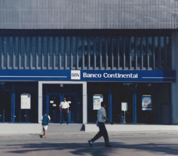 Fotografia de Oficina BBV Continental en Tarapoto peru bbva