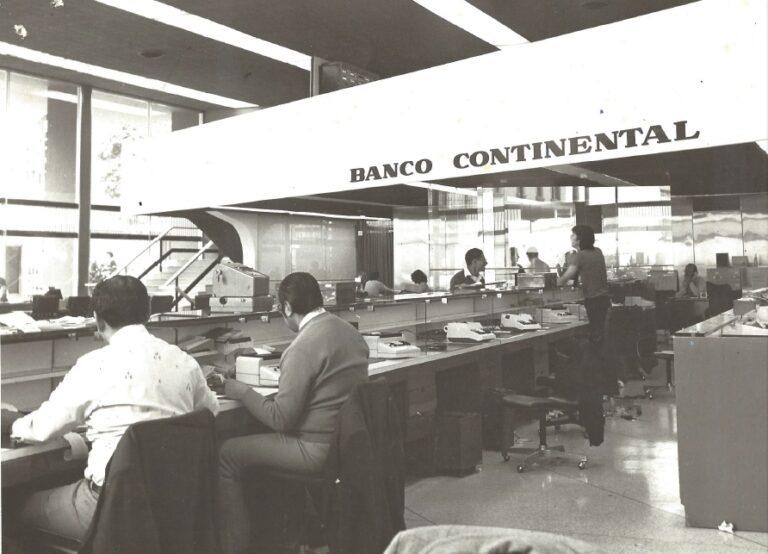 Bbva continental 65 a os de historia en im genes bbva for Banco continental oficina principal