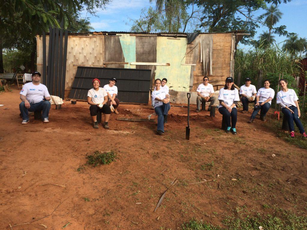 Voluntarios en la construcción