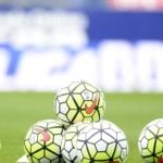 Balones de la Liga BBVA y Liga Adelante antes de un partido