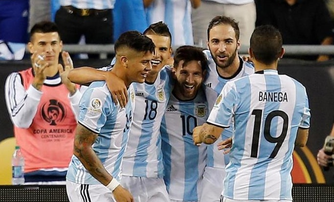 Leo Messi celebra un gol con Argentina en la Copa América | Foto: EFE