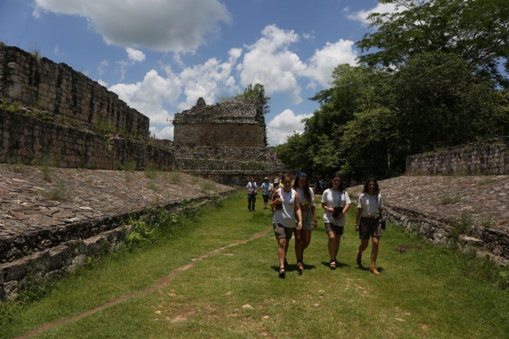 Fotografía de Ek'Balam, sitio arqueológico de México, durante la Ruta BBVA 2016