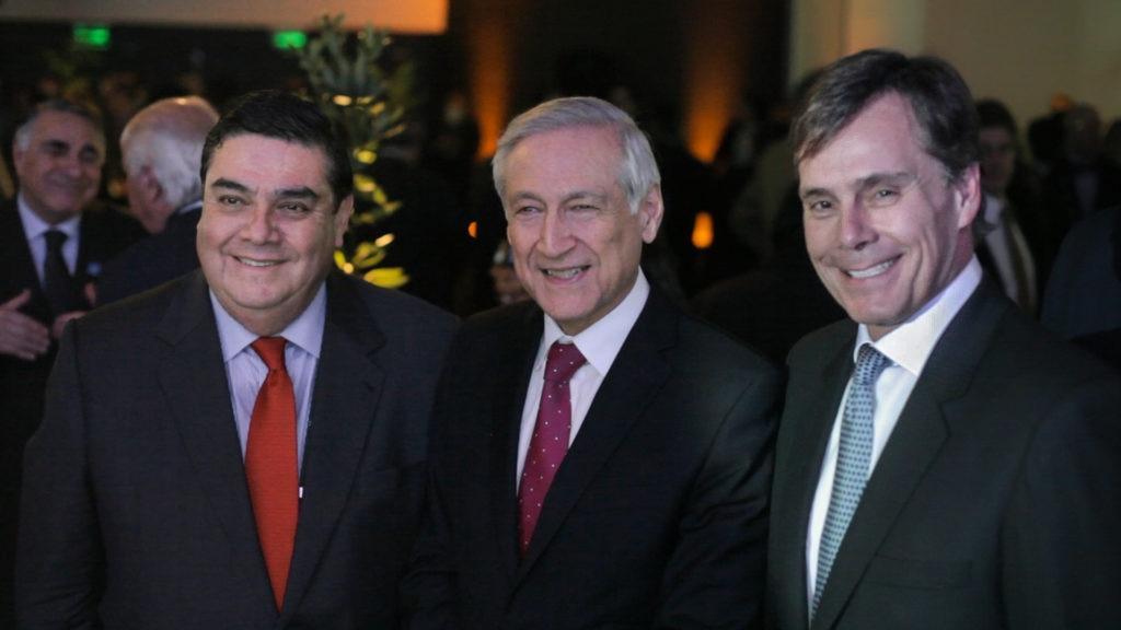 Alberto Salas, Presidente CEAP Chile; Ministro de RREE de Chile, Heraldo Muñoz y country manager de Grupo BBVA Chile, Manuel Olivares.