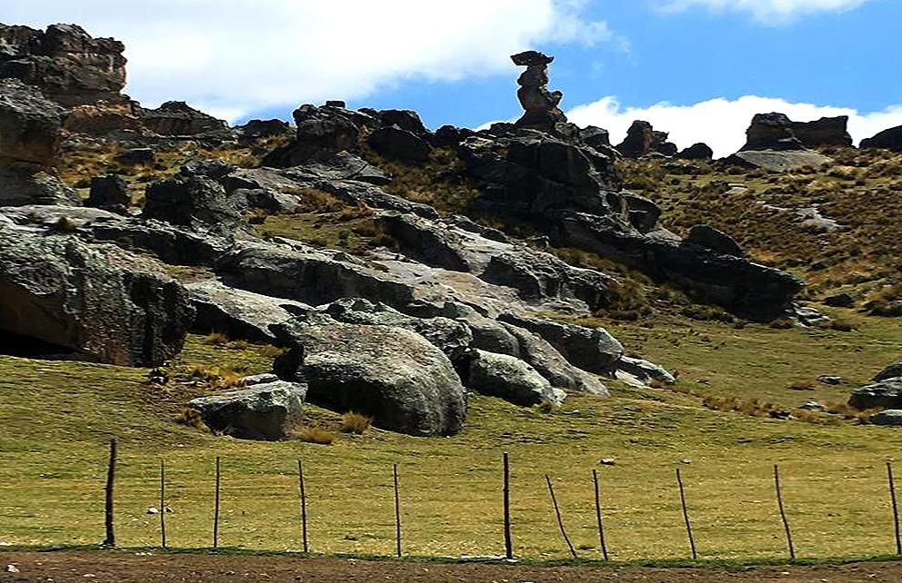 Fotografía del bosque de piedras de Huayllay. BBVA Continental.